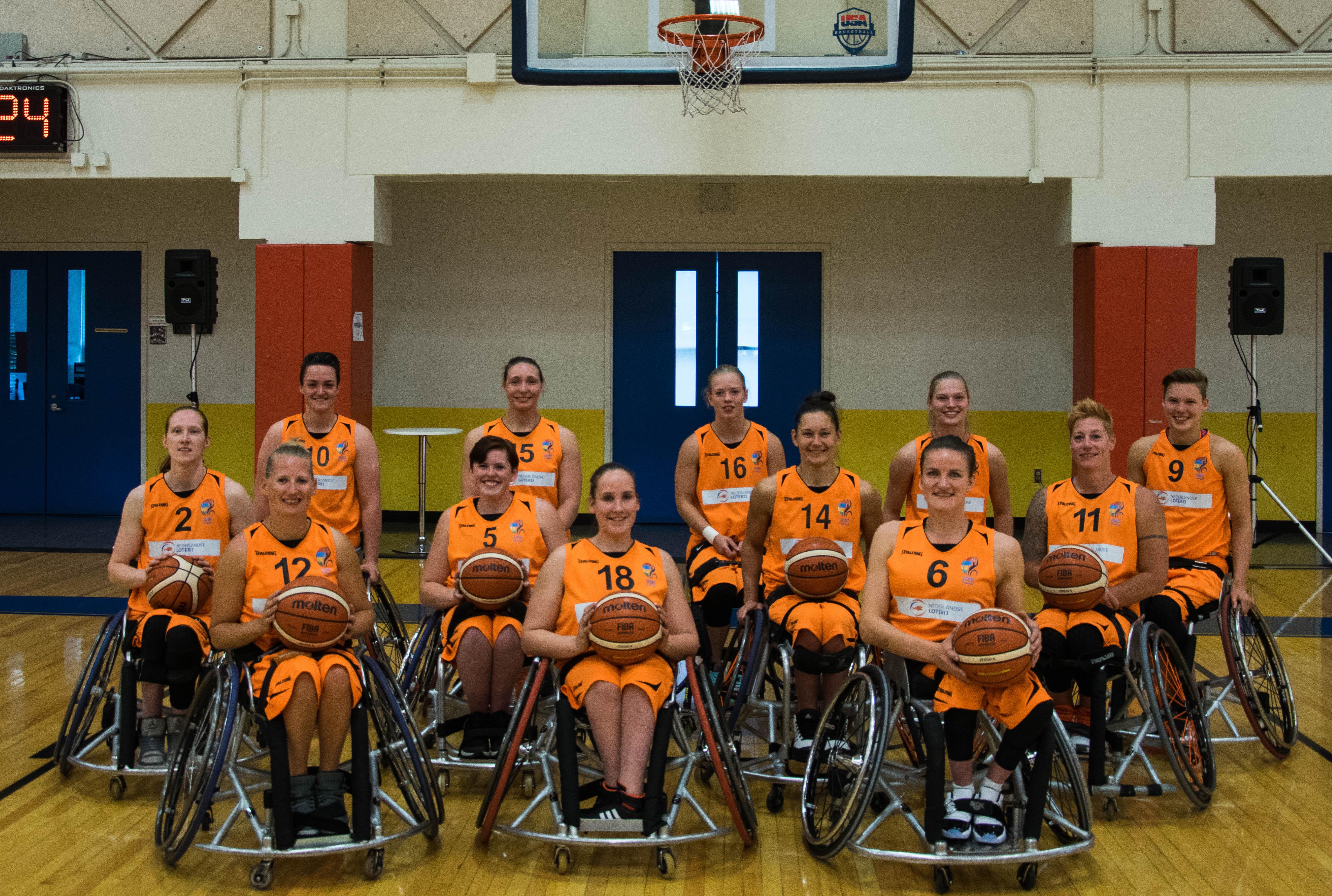 Team pic women NED